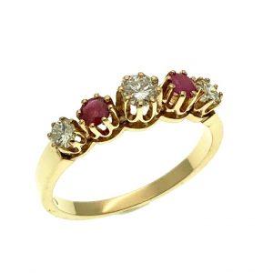 rij ring met robijn en diamant