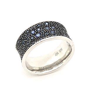 Blauwe zirconia ring met stenen