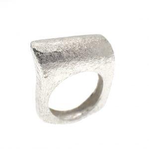 zilveren ring vierkant model