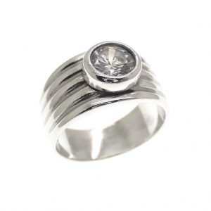 zilveren bewerkte ring met zirconia