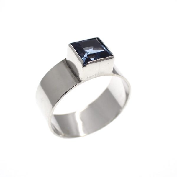 zilveren brede solitair ring blauwe steen