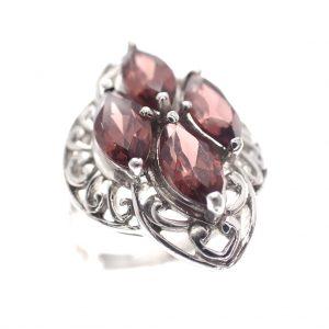 zilveren ring vintage look met rode stenen