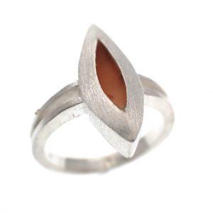 zilveren ruwe ring met emaille