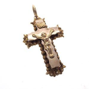 gouden kruis met filigrain en corpus 19e eeuws
