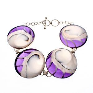 Zilveren armband parelmoer paars