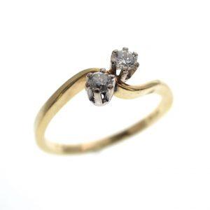 gouden ring 2 diamanten