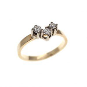 gouden ring met 3 diamanten
