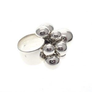 zilveren ring met balletjes
