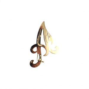 gouden letter a broche